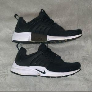 Black Nike Prestos
